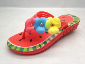 Childern′s EVA Fashion Cute Flip Flops Watermelon Pattern for Outside (21GL1704) pictures & photos