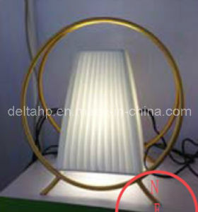 Home Table Desk Lamp with Metal Round Frame (C5007323) pictures & photos