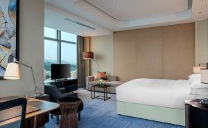 5 Star Hilton Luxury Hotel Bedroom Furniture/King-Size Hotel Furniture/Luxury 5 Star Suite Hotel Bedroom Furniture- (GLB-20170831000) pictures & photos