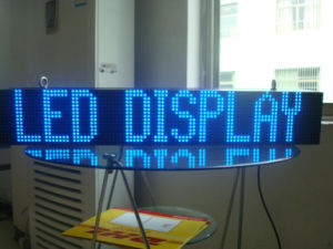 P10 Blue Color Semi-Outdoor Scrolling LED Message Sign pictures & photos