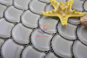 Water Jet Cutting Fan-Shaped Crystal Glass Mosaic (CFW26) pictures & photos