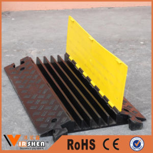 High Quality Cable Protector Speed Bumps for Vehicle Stop pictures & photos