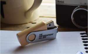 USB 3.0 Swivel Wood Clip USB 2.0 Memory Flash Drive with Logo pictures & photos