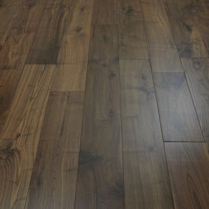 Household/Commercial Engineered American Walnut Wood Flooring/Hardwood Flooring pictures & photos