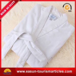 Long Sleeve Velvet Bathrobes Sleepwear for Adults pictures & photos