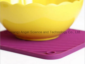Wholesale Square Silicone Coaster with FDA Approval Sm41 pictures & photos
