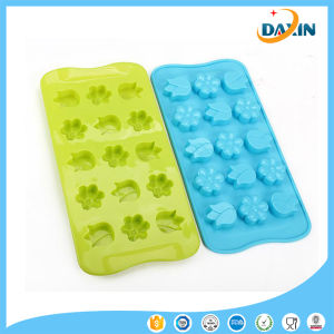 2 Kinds of Flower Shape Food-Grade Silicone Cake Mold pictures & photos