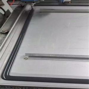 Full Automatic Glue Dispensing Machine pictures & photos