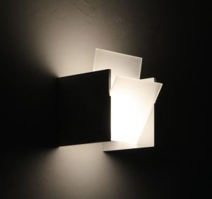 Modern and Decorative Square Aluminium LED Wall Lamp with Frosted Glass (P-170504) pictures & photos
