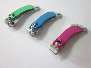 2017 New Small Foot Shape Nail Clipper with Electrophoresis Handle pictures & photos