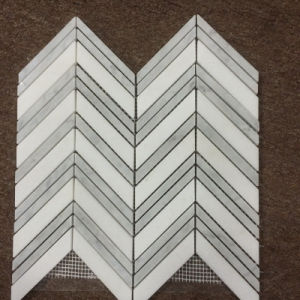 2016 Hot Sale Carrara White Marble Fishbone Mosaic Polished Wall Tile pictures & photos