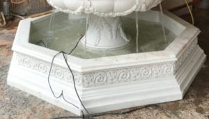 Sandstone Polyresin Material Carved Statue Water Spray Fountain pictures & photos