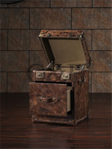 Leather Wooden Storage Trunks pictures & photos