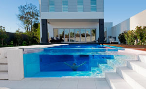 Tempered Laminated Glass Ultra Clear Frameless Swimming Pool pictures & photos