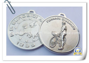 3D Zinc Die Cast Nickel Plated Medallion with Sandblasted pictures & photos