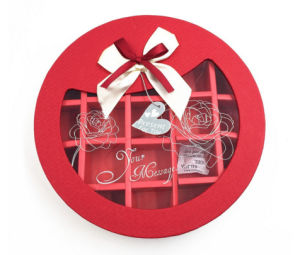 Present Packing Paper Round Shape Chocolate Box with Window pictures & photos