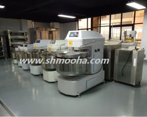 Commercial Bakery Machine Rotary Rack Ovens pictures & photos