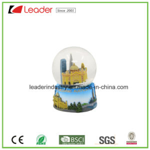 Customized Polyresin Snow Globe for Souvenir Gifts and Home Decoration, Made of Eco-Friendly Resin pictures & photos