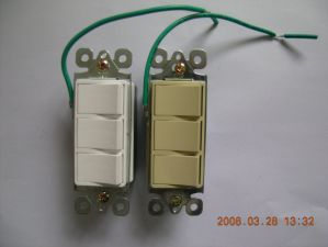 15 AMP, 120/277 Volt, Decora Three Single-Pole AC Combination Switch, Commercial Grade, UL Listing pictures & photos