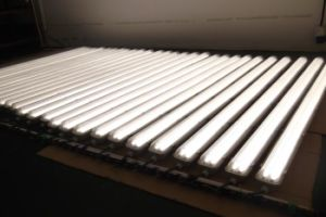 IP65 LED Batten Light 40W with Frosted Cover or Milky Cover for Christmas Promotions pictures & photos