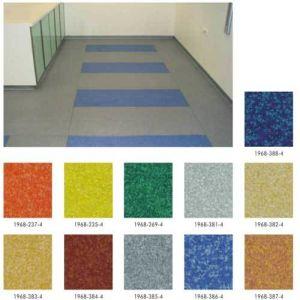 PVC Heterogeneous Flooring 2.6mm*2.0m*20m/Roll pictures & photos