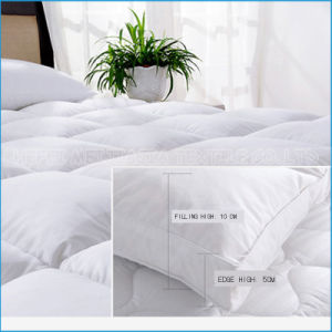 100% Cotton Goose/Duck Down Feathers Mattress Topper/ Protector for Home Textile pictures & photos