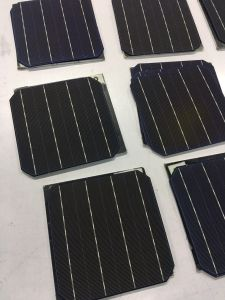 High Quality 5 Inch Mono Solar Cell with Factory Price pictures & photos