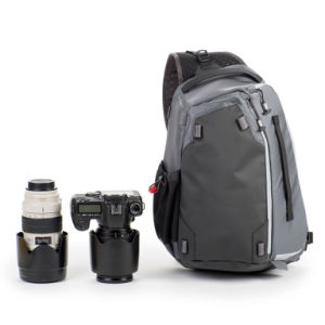 DSLR and Mirrorless Canon/Nikon/Sony Shoulder Sling Crossbody Camera Bag pictures & photos