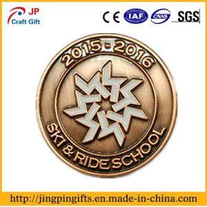 2017 Wholesale Custom Logo Metal Enamel Souvenir Badge pictures & photos