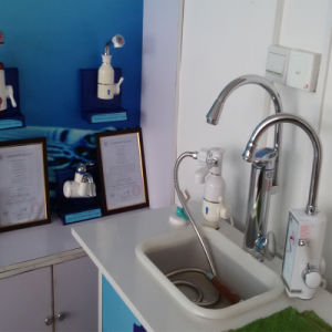 Bathroom Faucet Mixer Electric Faucets Electric Water Heater Tap Kitchen Heating Faucets pictures & photos