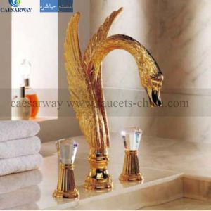 Golden 3 Way Bathtub Faucet Mixer Tap pictures & photos