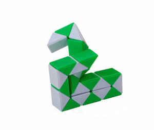 2017 New Design OEM Magic Cube Snake Puzzle pictures & photos