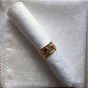 High Quality 5 Star Hotel Napkin (DPFR80120) pictures & photos