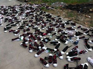 The Most Hotest Whole Sales of Used Shoes for African Market pictures & photos