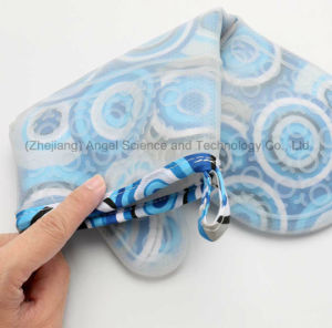 2016 Long and Thick Silicone Microwave Oven Glove with Heat Insulation Sg16 pictures & photos