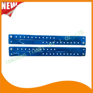Entertainment Custom Plastic Vinyl Festival Evens ID Bracelets Wristbands (E60709) pictures & photos