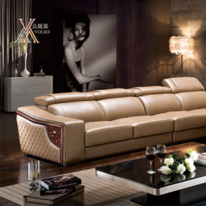Leather Sofa with Adjustable Headrest (822) pictures & photos