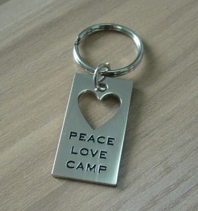 Metal Dog Tag Keychain Heart Hollow out Keychain pictures & photos