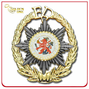 Custom Fine Polished Die Casting Metal Military Medal Badge pictures & photos