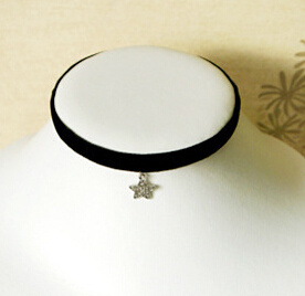 Black Velvet with Fashion Pendant Suede Choker (XJW13675) pictures & photos