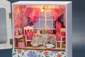 High Quality Wooden Decoration Doll House Music Box pictures & photos