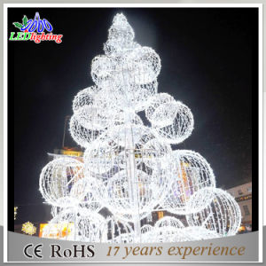 Metal Frame Giant Christmas Tree White Red Ball LED Light Ce/RoHS Outdoor Lighted Trees pictures & photos