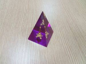 Customize Clear Office Decoration Resin Paperweight pictures & photos