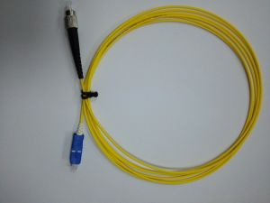 Optical Fiber Cable Patch-Cord with Compact Boot pictures & photos
