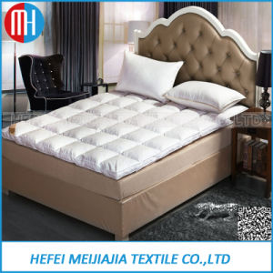 Goose Down Mattress Protector for Sale pictures & photos