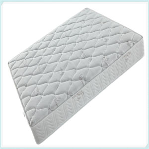 Luxury Comfortable Newest Memory Foam Pocket Spring Mattress pictures & photos