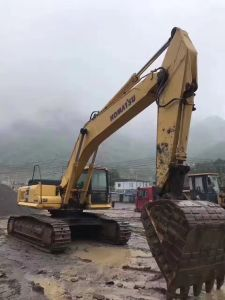 Very Good Japanese Used Excavator Komatsu PC 450-7 pictures & photos