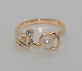 Valentine′s Day Pearl with Diamond Love Ring (XRG12460) pictures & photos