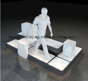 Shopfront with Mannequins for Retail Shop pictures & photos