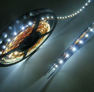 SMD LED Light Strip pictures & photos